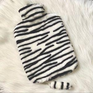 NWOT (🌼3/$20🌼) Zebra hot water bottle